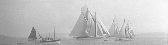 Westward, Britannia and Lulworth mid-race