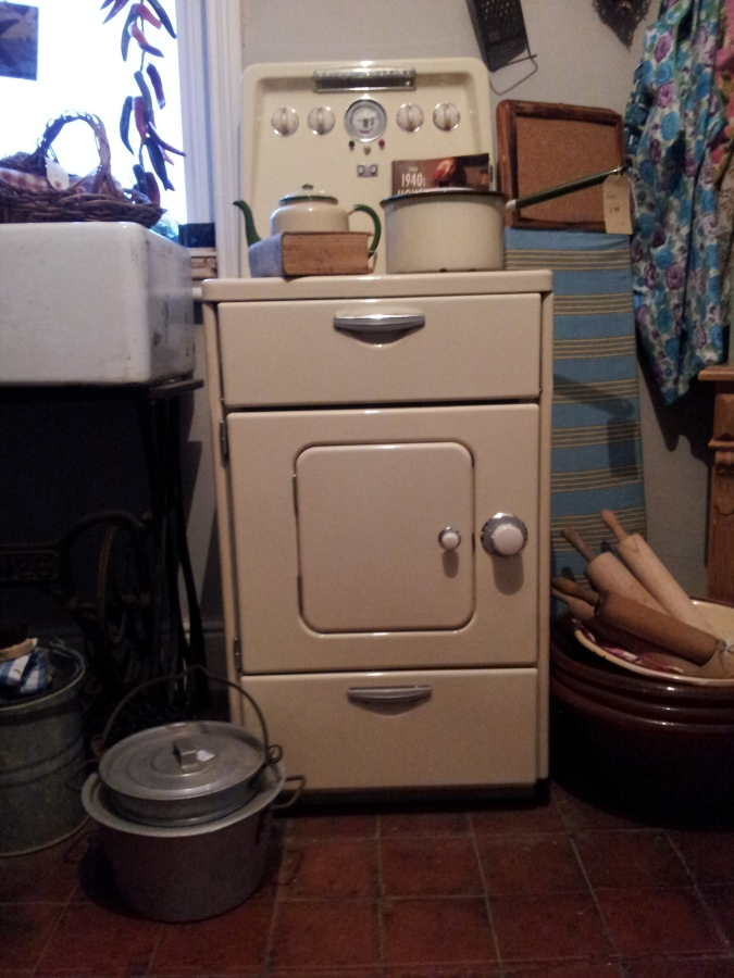 Cream Enamel Vintage Stove