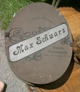 German Opera Hat Box